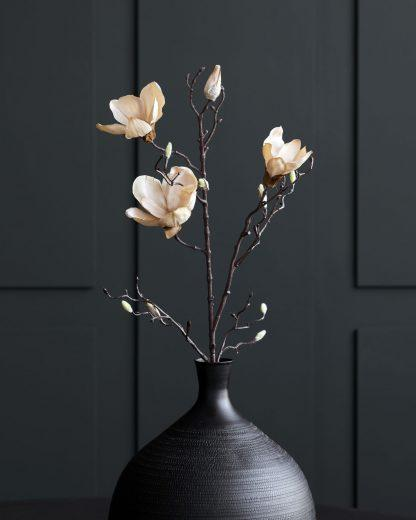 Magnolia off white
